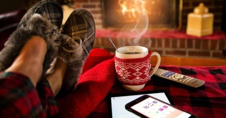 12 Tips For Staying Toasty in The Winter Months